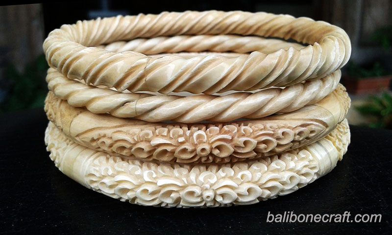 carving-bangles