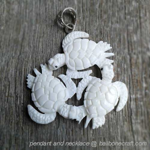 pendant-three-turtle